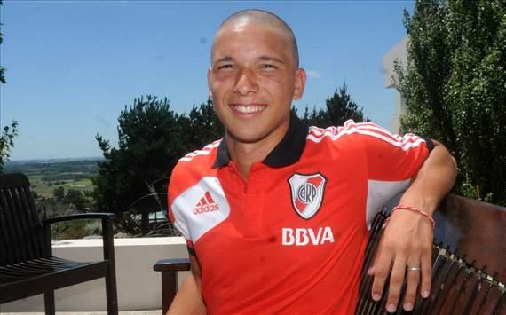 fm 2014 player profile of tomas martinez